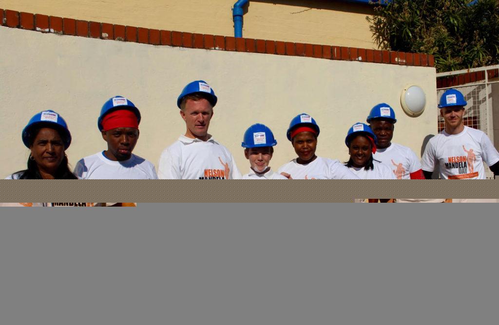EAS Mandela Day Volunteers